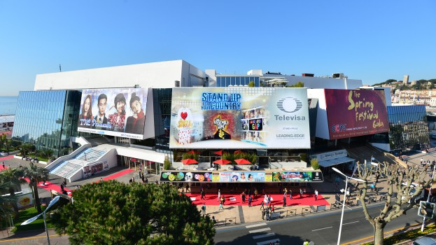 MIPTV 2015 - ATMOSPHERE - OUTSIDE - PALAIS DES FESTIVALS