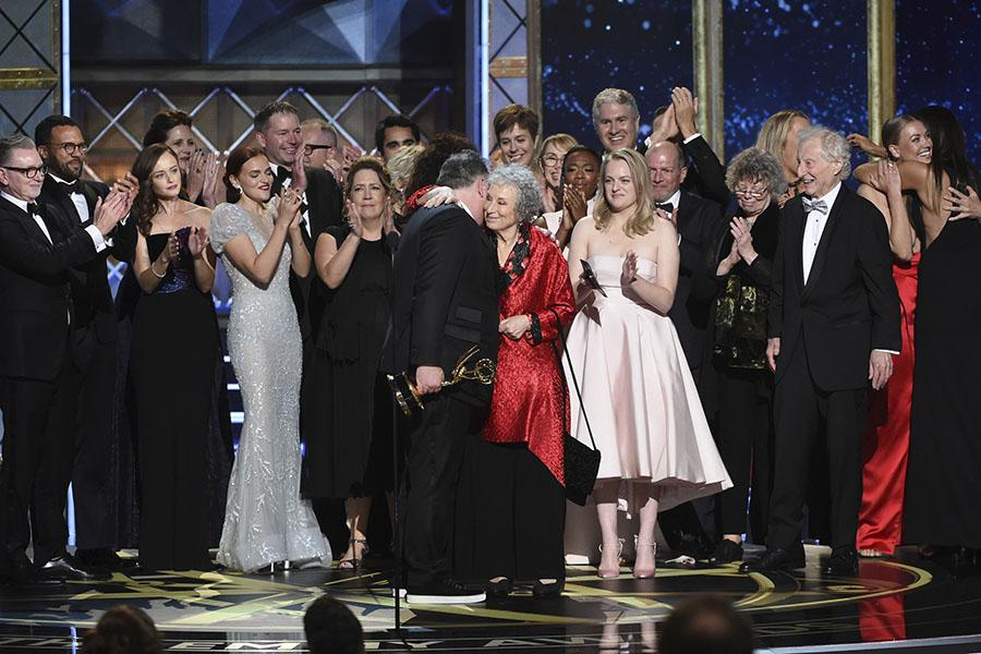 Emmy Awards Ratings Get Modest Boost 187 Media In Canada