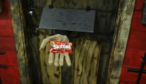 Skittles_Hand