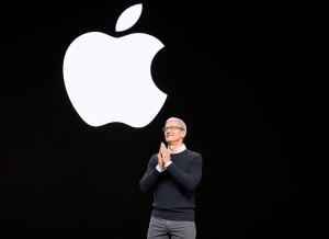 Apples-keynote-event_Tim_Cook-03252019